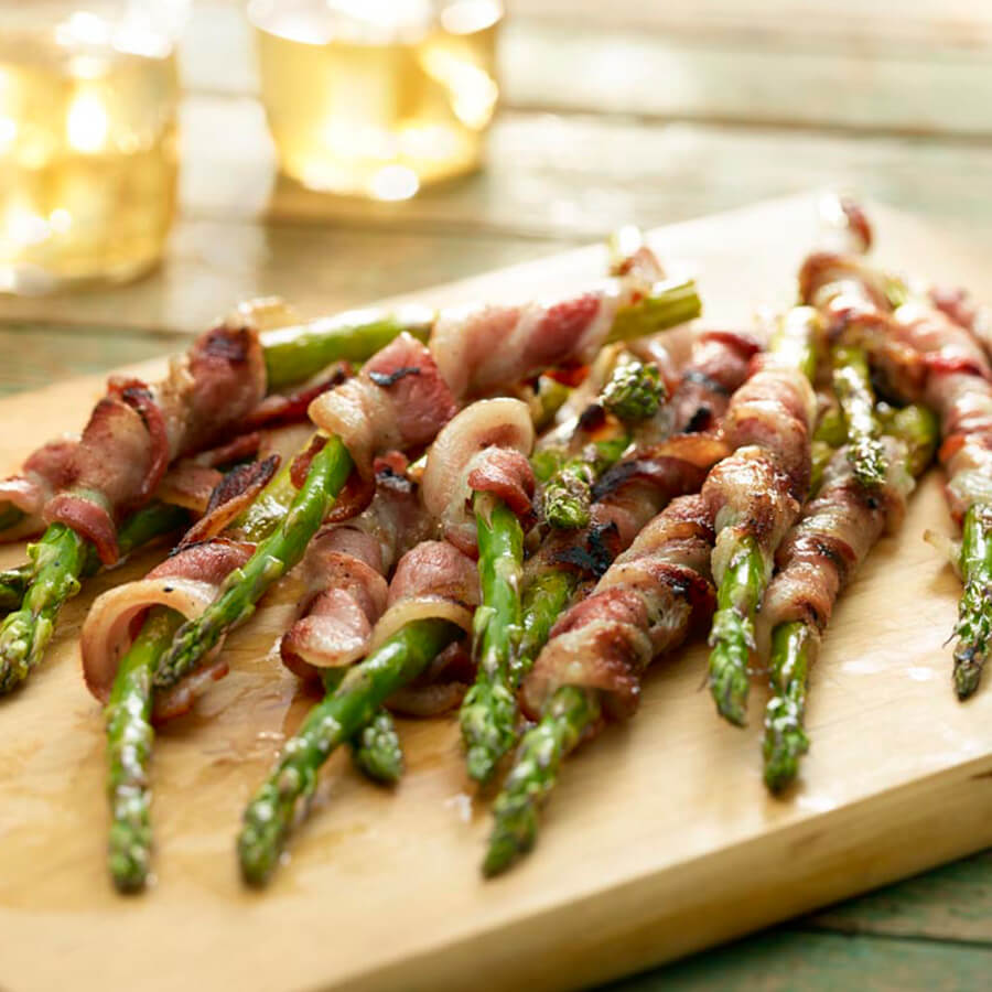 asparagus spears wrapped in bacon